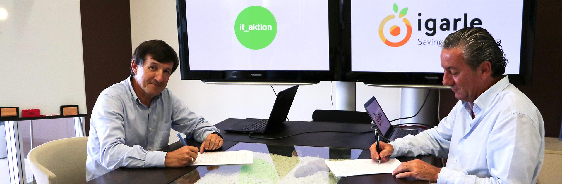 Firma Grupo Igarle It_Aktion. Fran Manzano y Jokin Aguirre